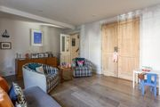 London Home 172, Picture This… Enjoying Your Holiday in a Luxury 5 Star Home in London, England - Studio Villa, Sleeps 7