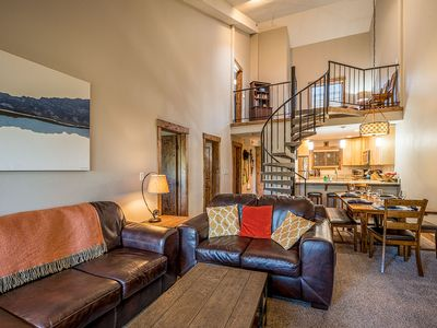 Photo for Luxury 3BR/3BA w/loft, 2 blocks to Main St -- well equipped for guests!