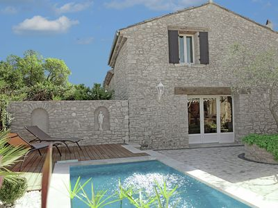 Photo for Luxurious villa with jacuzzi pool near Aix-en-Provence