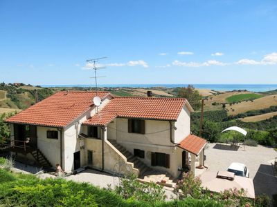 Photo for One bedroom Villa, sleeps 4 in Cologna Paese with Pool and WiFi