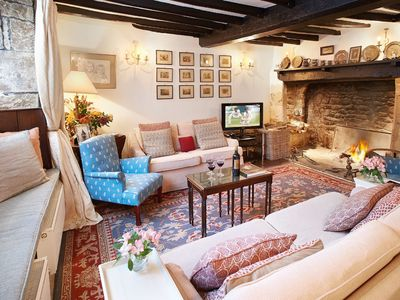 Photo for 5BR Cottage Vacation Rental in Chipping Campden