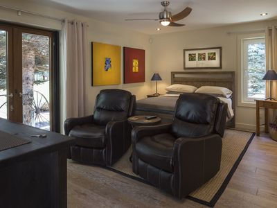 Photo for Gjoa's Vineyard - The Véraison Guest Room