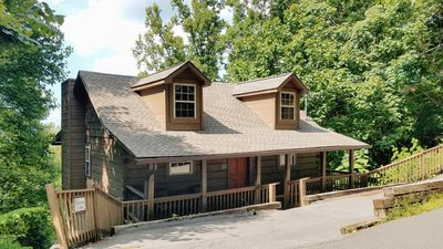 Photo for Smoky Mountain Top Cabin, Hot Tub, 10 mins to Gatlinburg or Pigeon Forge