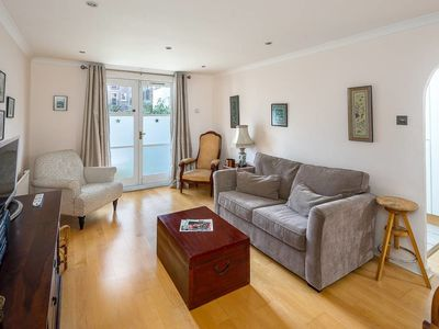Photo for 1bed garden flat sleeps 4 in Fulham w/free parking