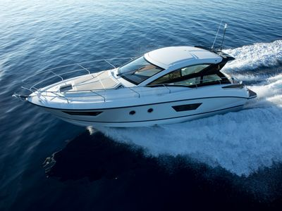 Photo for Brand New Yacht - GT 40