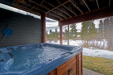 View of the ski run from the private hot tub