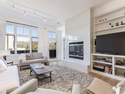 Photo for Modern Penthouse in Beautiful Downtown