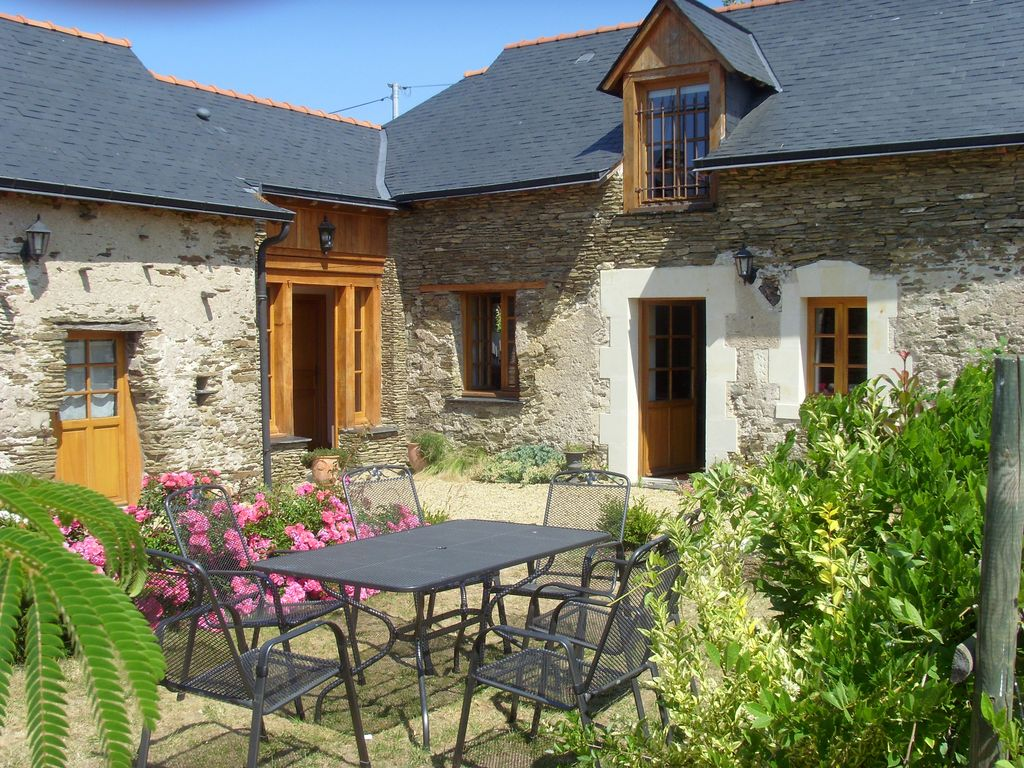 Old Wine Cellars Renovated With Quality Materials Vauchretien