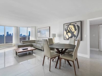 Photo for Downtown Miami 3745 | Luxury 2BR Waterfront Condo | Free Valet Parking