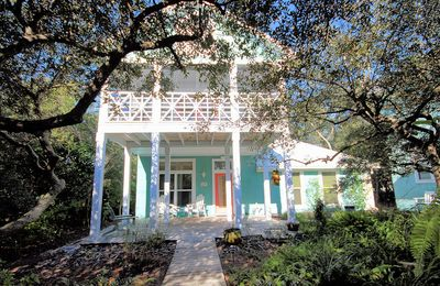 """Photo for In Seagrove """"Sugar Magnolia"""" is a 3BRM House with Private Pool Oasis"""