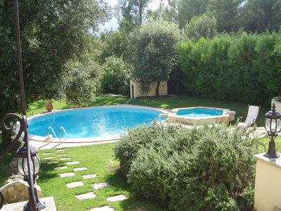 Photo for Authentic provencal mazet in peace with swimming pool and jacuzi overflowing