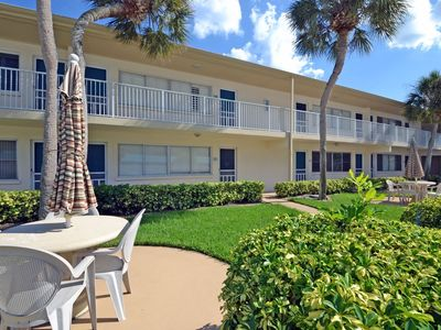 Photo for Beachside Vacation Rental Condo on Siesta Key with Pool Access