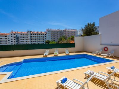 Photo for 1 bedroom apartment in Albufeira with pool view, close to The Strip