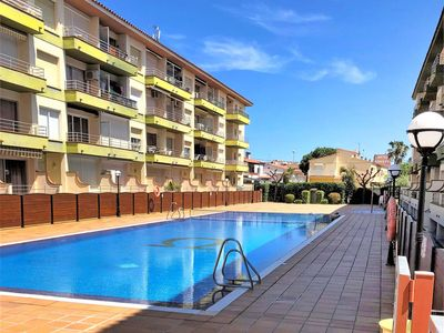 Photo for Nice apartment for 4 people with pool, TV and balcony
