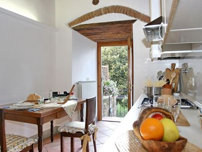 Photo for Apartment with garden in Chianti, 20 min from Florence, Siena and San Gimignano