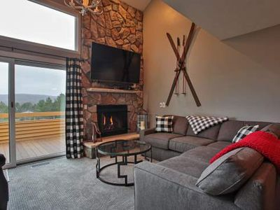 Trout Creek Condo #52 - 3 Bedrooms Loft, 2 Baths. Beautiful Views of Boyne Ski Slopes. Onsite Pools.