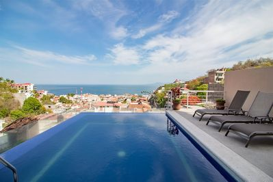 Your Vacations In Puerto Vallarta Near The Malecon Boardwalk Cerro