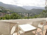 Comfortable apartment with amazing views in a great port town