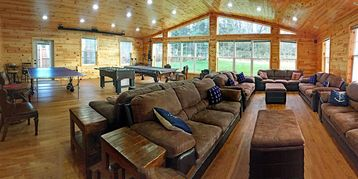 4,100 sq ft Lakefront Cedar Lodge: Wheelchair Friendly-Offers Numerous Luxuries!