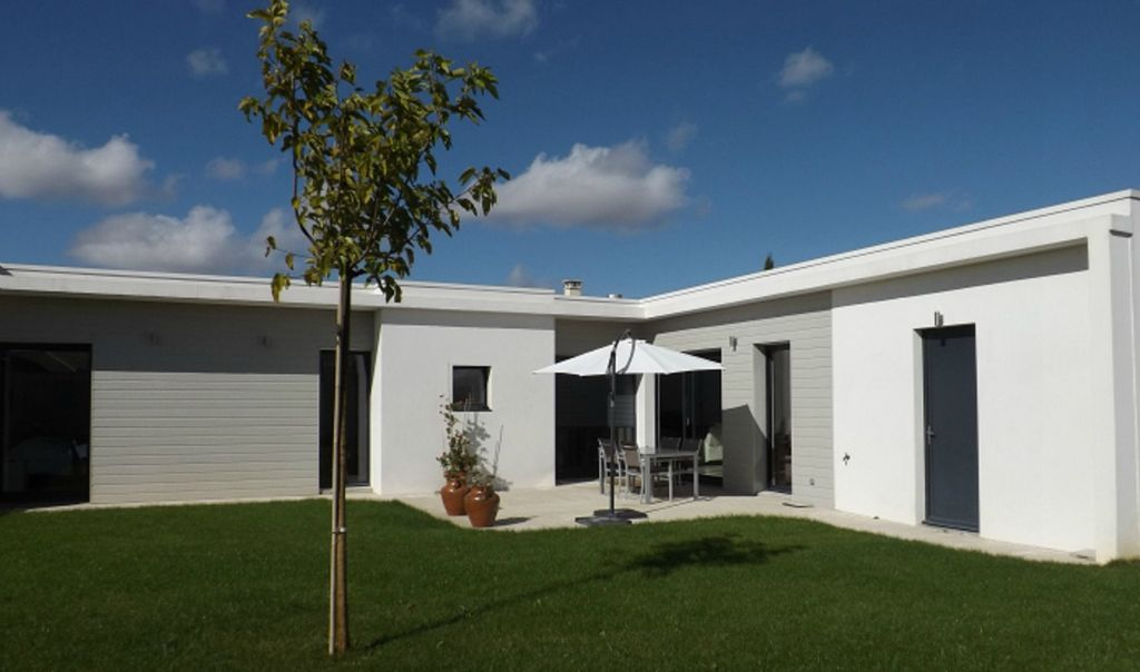 Rental contemporary house 10km from La Rochelle recent modern