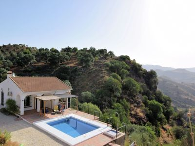 Photo for Detached holiday home with private swimming pool, beautiful location and with complete privacy