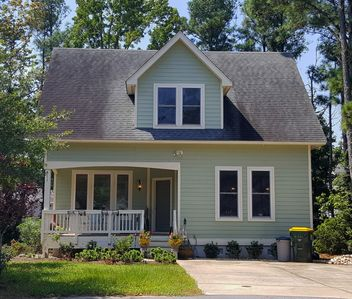 Photo for Charming Cottage ~ ❤ of KDH ~ Beaches, Bikes, Shopping, Dining, Nags Head Wood