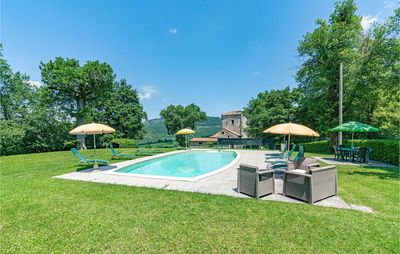 Photo for 5 bedroom accommodation in Pieve S. Stefano AR