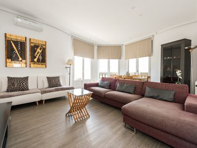 Photo for Bright place, Gran Via Views Great Wifi & balconies over gran via ST.