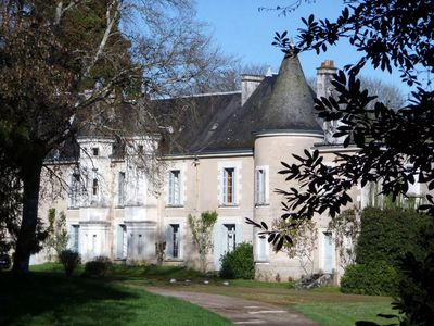 Photo for Castle close family Loire castles, 18 people, swimming pool / tennis