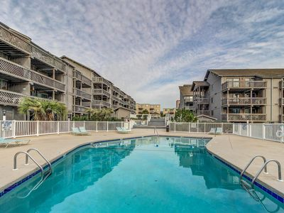 Photo for Oceanview condo w/ shared pools, shared hot tub, sauna, tennis, & grill area