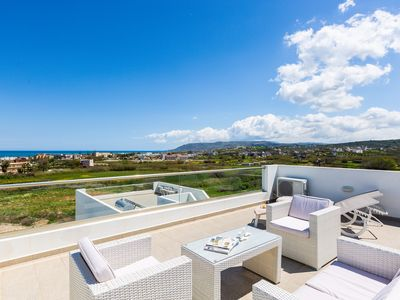 Photo for 3 Bedroom villa few meters from the beach!