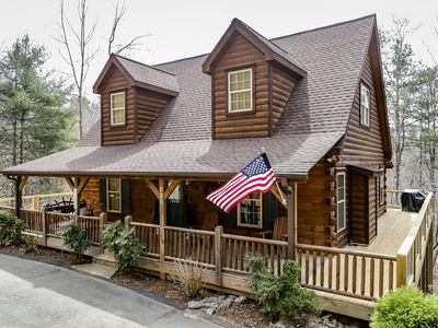 Photo for Walk to the Broad River or Mirror Lake!  Hot tub and wrap-around deck! WIFI!