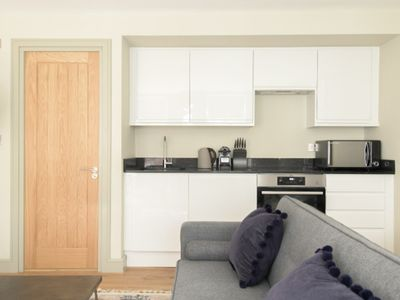 Photo for The Mayfair Retreat - Modern & Central 1BDR in 3 Apartments