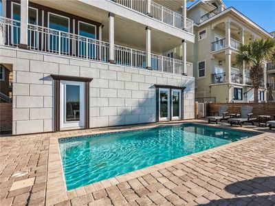 Photo for Luxurious 7 BR Beach Home Right on the Gulf! Family Beach Get-Away, Private Pool
