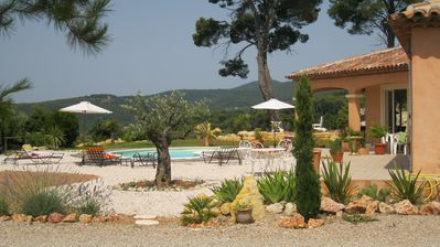 Photo for Villa Neo-Provençal with panoramic view between sea, lake and gorges du verdon