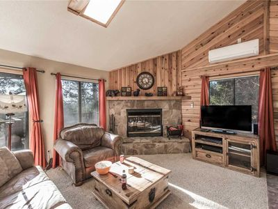 Photo for Rettig's Rustic Retreat, 3 Bedrooms, Sleeps 8, WiFi, Wood Fireplace