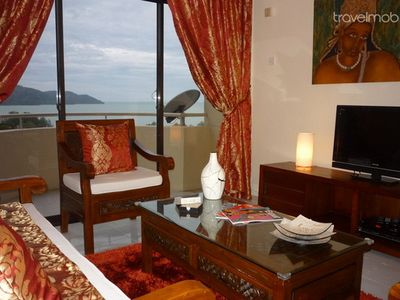 Photo for Cozy Condo with Stunning Sea View
