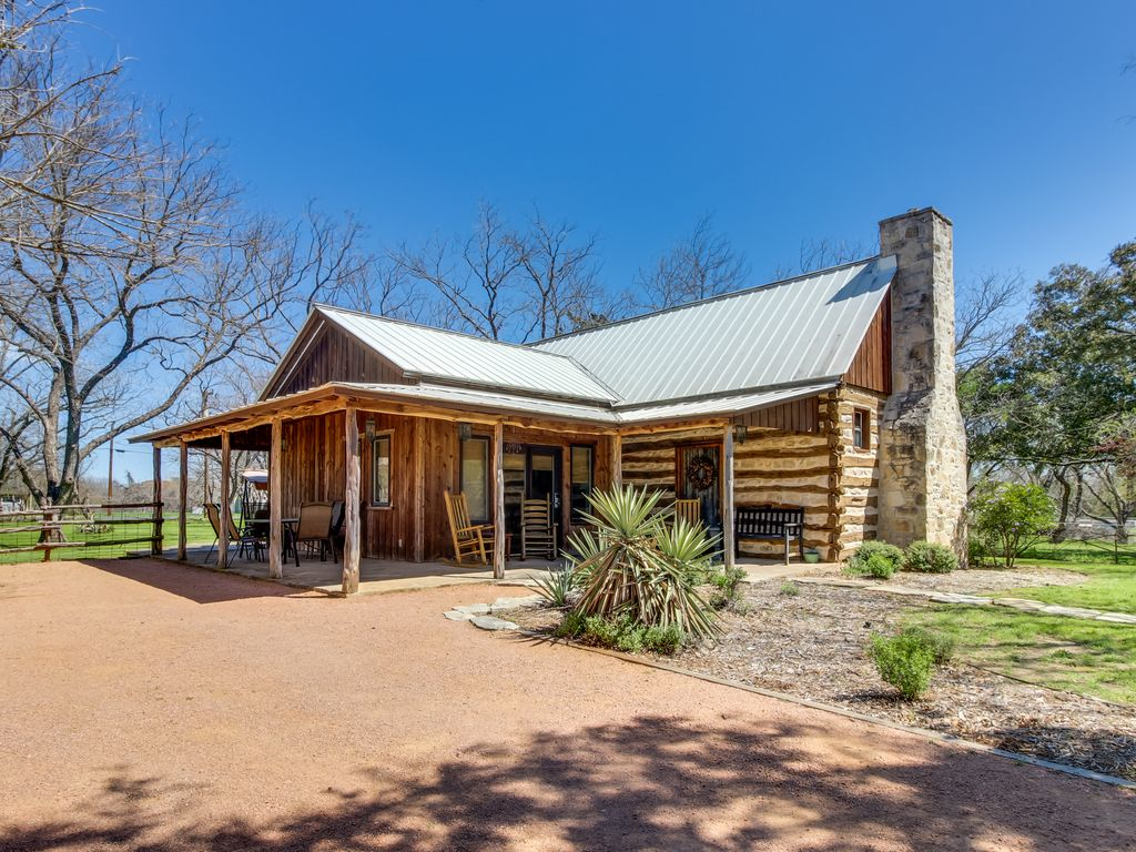Dog Friendly Rustic Cottage W Private Hot Tub Close To
