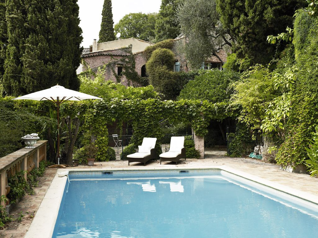 Villa Adorable Medieval Villa In Haut De Cagnes With Sea Views