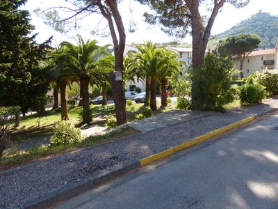 Photo for Comfortable apartment near the beach (walk) and the center (only foot)