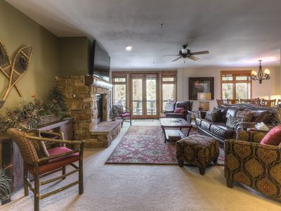 Photo for High-end 4-Bedroom Condo, Ski-In/Ski-Out, 2 Balconies, Fireplace in Master