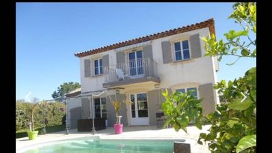 Photo for Beautiful villa 8 people with swimming pool, air conditioning, close to the sea calm