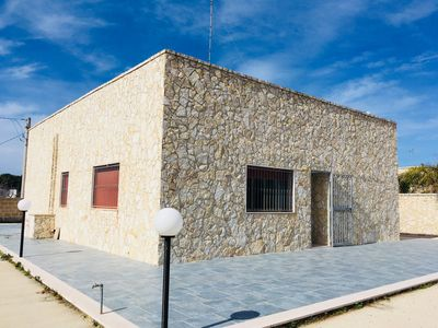Photo for Renovated villa with large outdoor area near Gallipoli