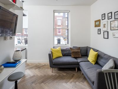 Photo for Amazing 2bed Apt, 2 min to Marylebone