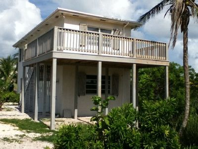 Charming and Affordable House in Prime French Leave Beach Location