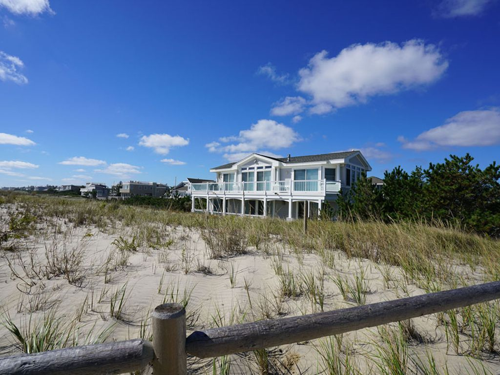 Oceanfront home with breathtaking views harvey cedars lbi for Unique home stays jersey