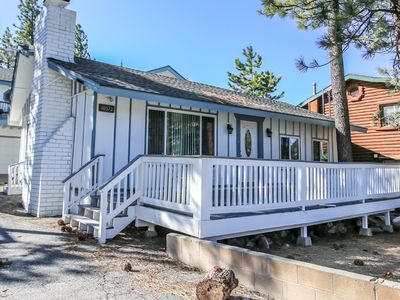 Sun Bear 1 - FREE Ski/Board Rental! 2BR/2BA/Walk to the Lake and Village/WiFi