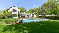 This Hamptons Home Deserves A Five-Star Plus