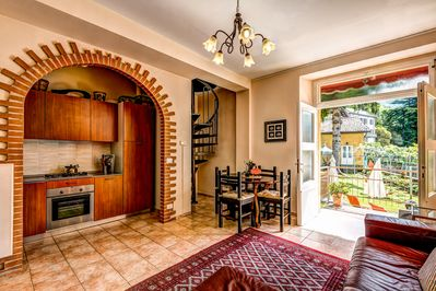 Villettas Mare, Divino and Felicita` décor  w/French doors to the gardens & lake