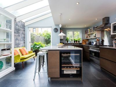 Photo for Beautiful and stylish home full of charm with a garden by Notting Hill (Veeve)